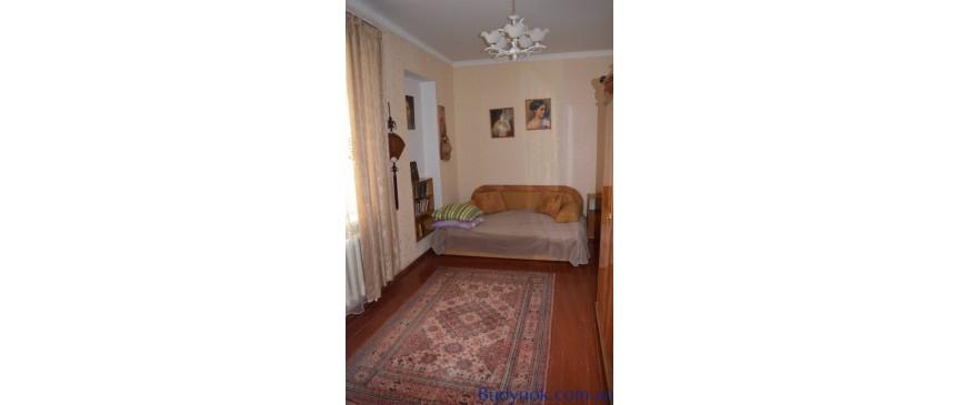 Продам часть дома, в Дачном переулке на 3х сотках.