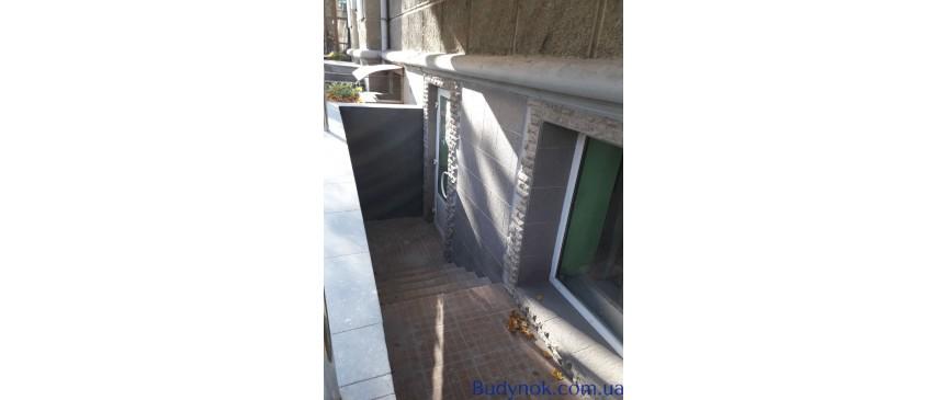 Срочно продам помещение КАФЕ 170 м2 С МЕБЕЛЬЮ в центре