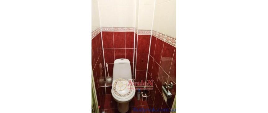 Продам 4 комнатную квартиру на Бочарова ул Суворовский Одесса