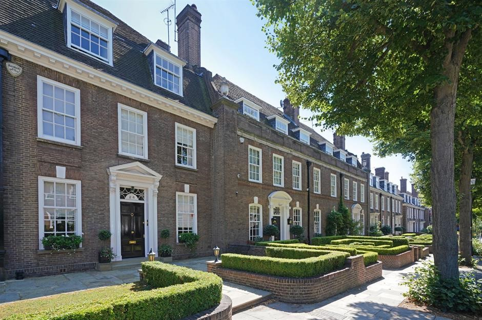 Ilchester Place